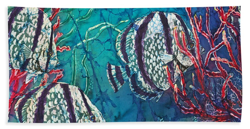 Fish Hand Towel featuring the painting Playful Trio by Sue Duda