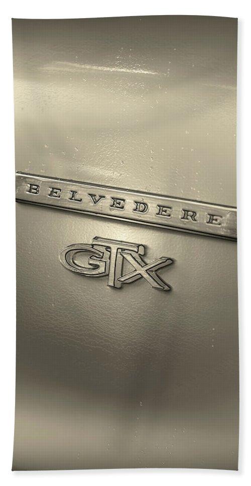 1967 Bath Sheet featuring the photograph Plymouth Belvedere Gtx Fender Emblem Badge by Gordon Dean II