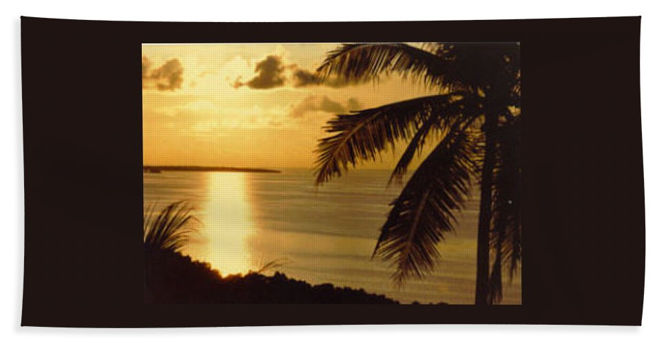 Palm Trees Hand Towel featuring the photograph Pohnpei Sunset by Dina Holland