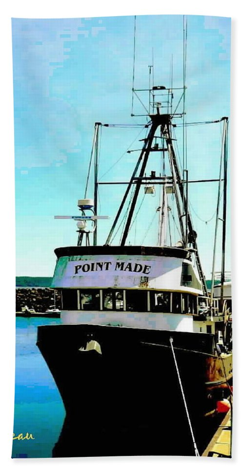 Boats Bath Sheet featuring the photograph Point Made At Pt Townsend Wa by Sadie Reneau