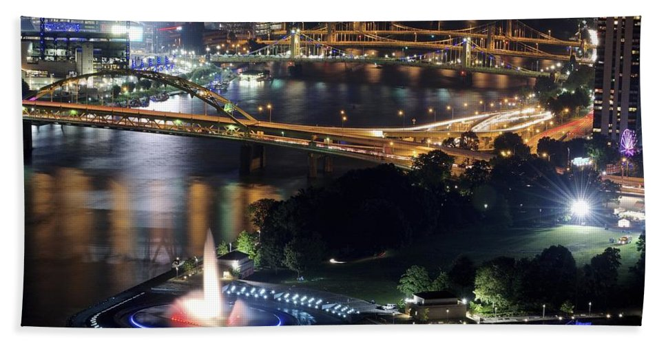 Pittsburgh Bath Sheet featuring the photograph Point State Park by Frozen in Time Fine Art Photography