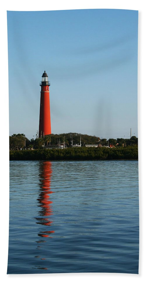 Lighthouse Tall Red Water Reflection Fl Sky Blue Wave Ripple Inlet Travel Tourist Vacation Bath Sheet featuring the photograph Ponce Inlet Lighthouse by Andrei Shliakhau