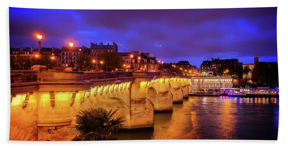 Paris Hand Towel featuring the photograph Pont Neuf At Night by Anastasy Yarmolovich