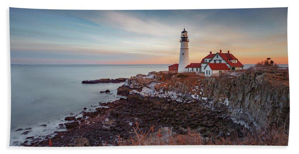 Portland Maine Lighthouse Cape Ocean Atlantic Casco Bay Bath Towel featuring the photograph Portland Headlight by David Hufstader