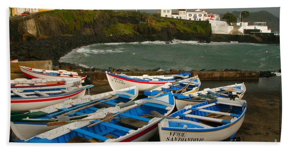 Coastal Bath Towel featuring the photograph Porto Dos Carneiros by Gaspar Avila