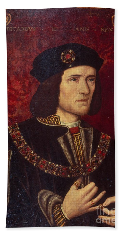Portrait Bath Towel featuring the painting Portrait of King Richard III by English School