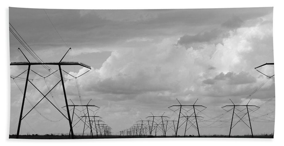 Sky Bath Towel featuring the photograph Power In The Sky by Rob Hans