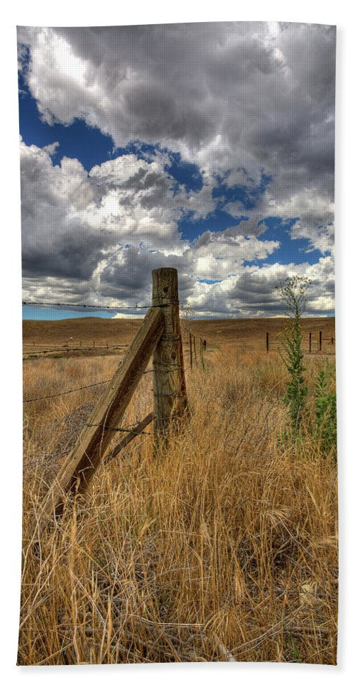Clouds Bath Sheet featuring the photograph Prarie Sky by Peter Tellone