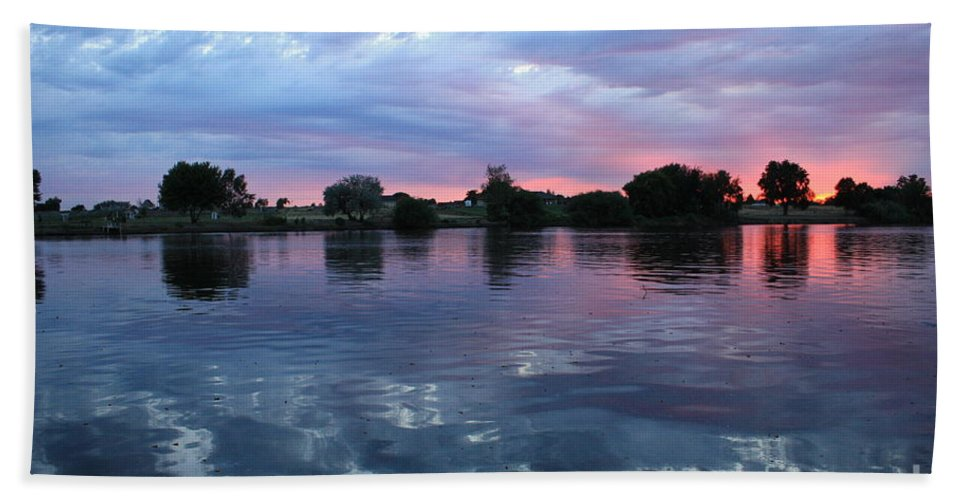 Sunset Bath Sheet featuring the photograph Prosser Pink Sunset 5 by Carol Groenen