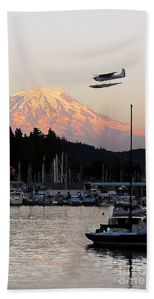 Puget Sound Bath Towel featuring the photograph Puget Sound Landing by David Lee Thompson