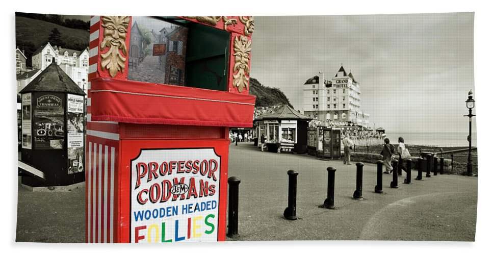 Punch And Judy Hand Towel featuring the photograph Punch And Judy Theatre On Llandudno Promenade by Mal Bray