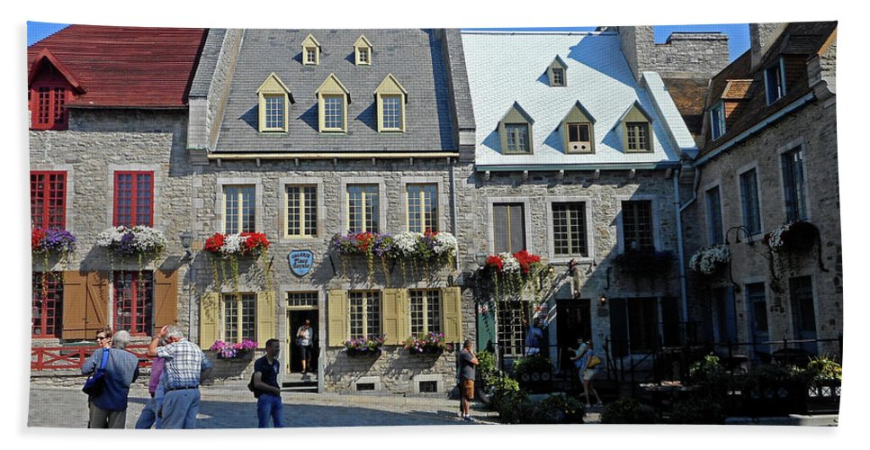 Quebec City Hand Towel featuring the photograph Quebec City 54 by Ron Kandt