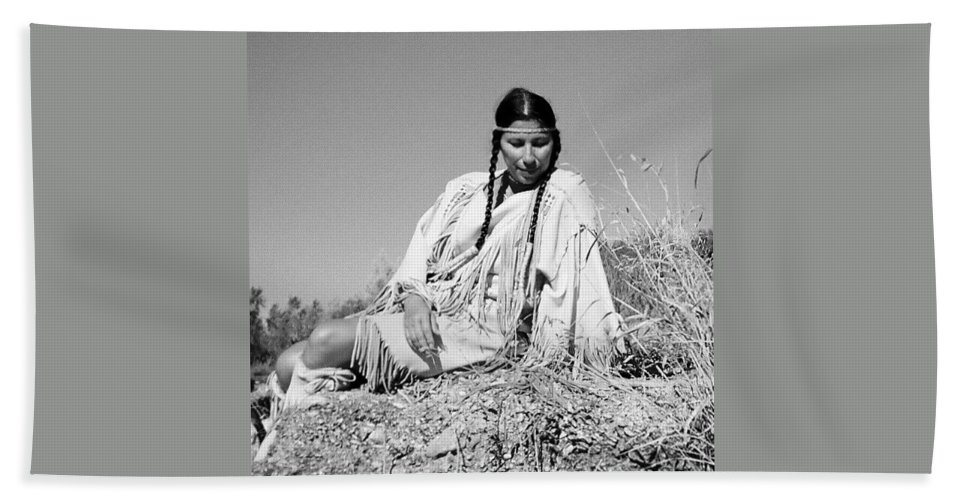 Indian Rocks Maiden Black And White Bath Sheet featuring the photograph Quiet Time In Black And White by Cindy New