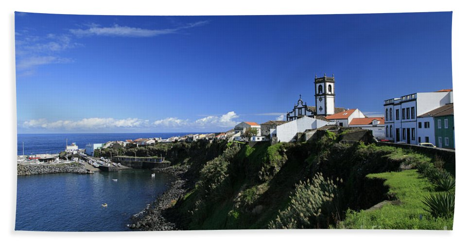 Azores Hand Towel featuring the photograph Rabo De Peixe by Gaspar Avila