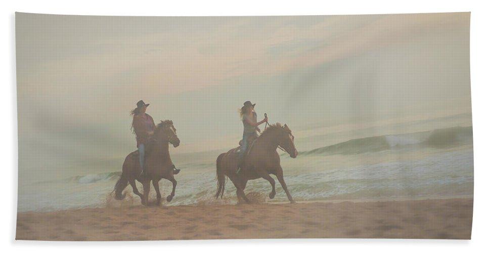 Florida. Rider Bath Sheet featuring the photograph Racing Riders by Janal Koenig