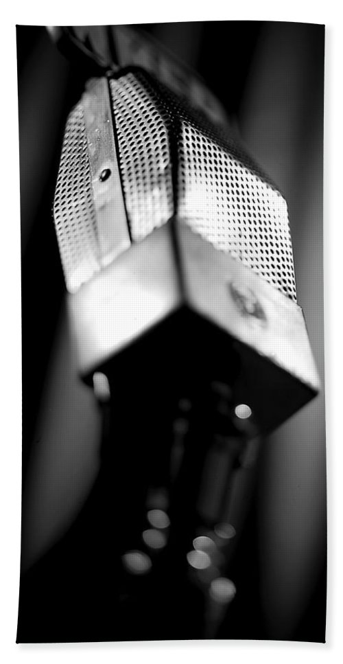 Mike Hand Towel featuring the photograph Radio Mike by Robert Ponzoni