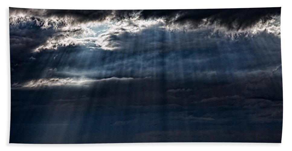 Brighton Hand Towel featuring the photograph Rain Is Coming To Brighton by Chris Lord