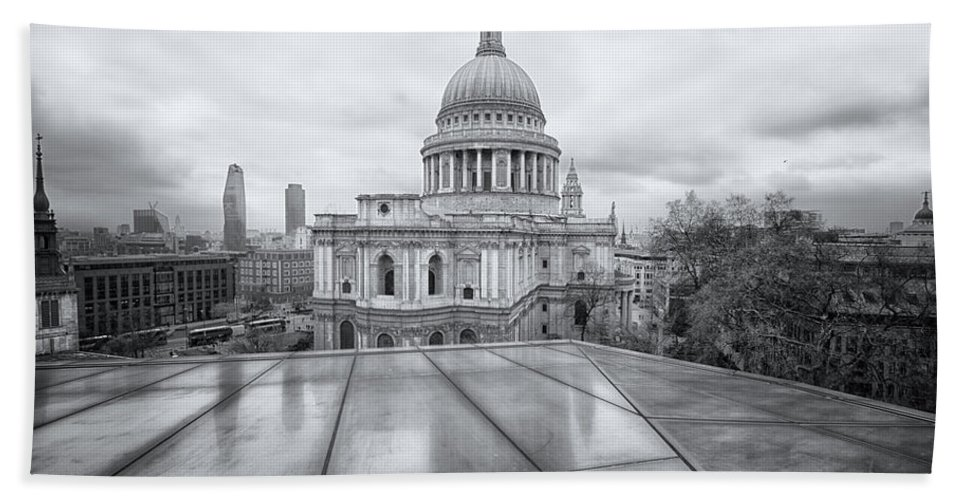 London Hand Towel featuring the photograph Rainy Rooftops by Martin Newman