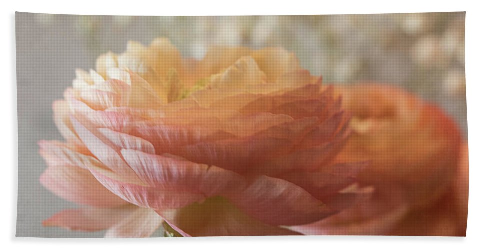 Ranunculus Bath Sheet featuring the photograph Ranunculus - 6315 by Teresa Wilson