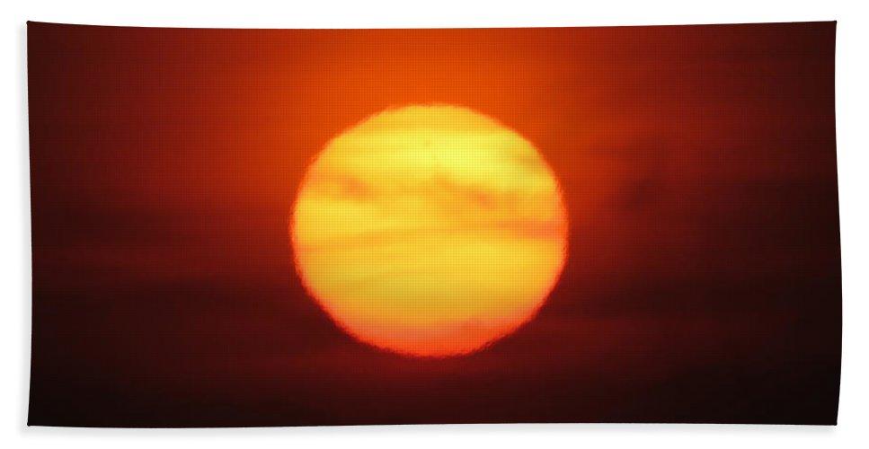 Landscape Bath Sheet featuring the photograph Rare Sunset 3 by Ronald Raymond