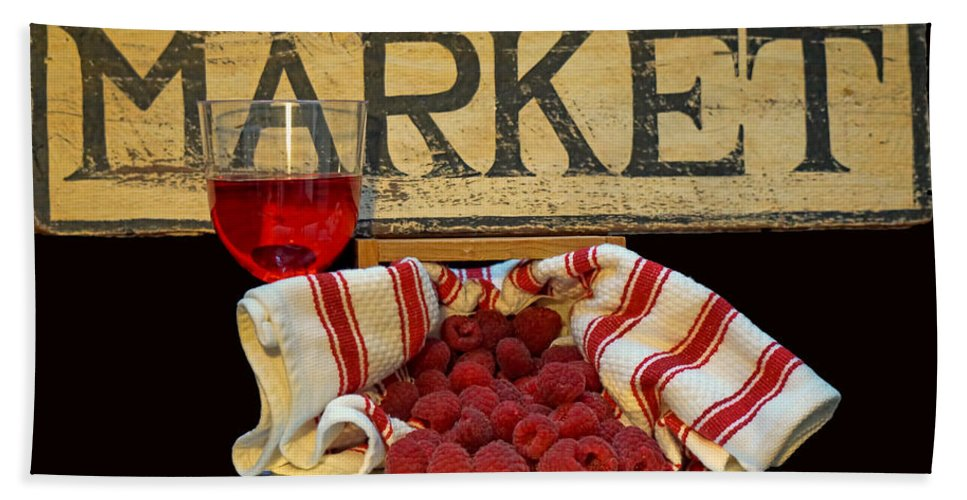 Raspberries Hand Towel featuring the photograph Raspberries At The Market by Pamela Walton