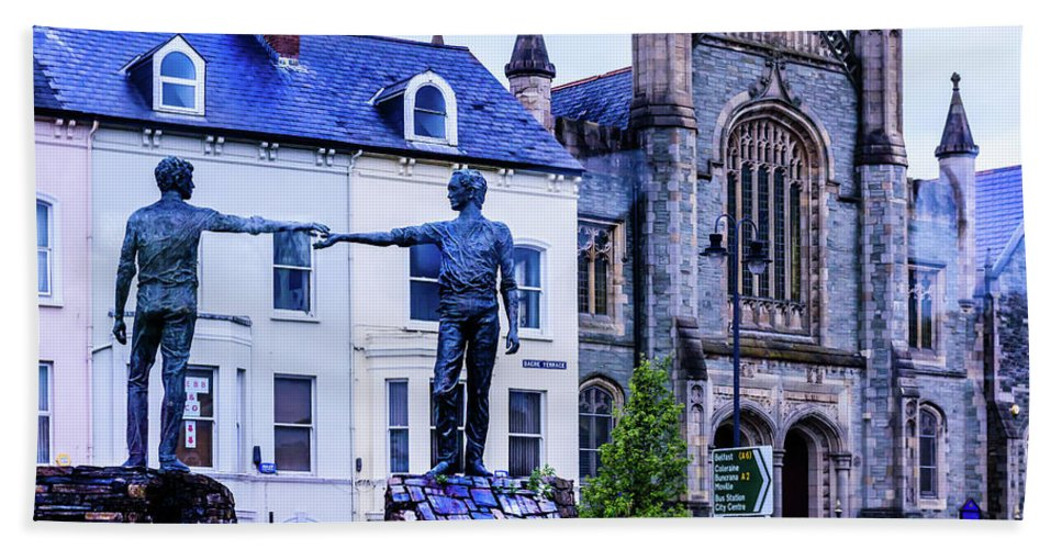 Reach Out Hand Towel featuring the photograph Reach Out - Belfast Ireland by Jon Berghoff