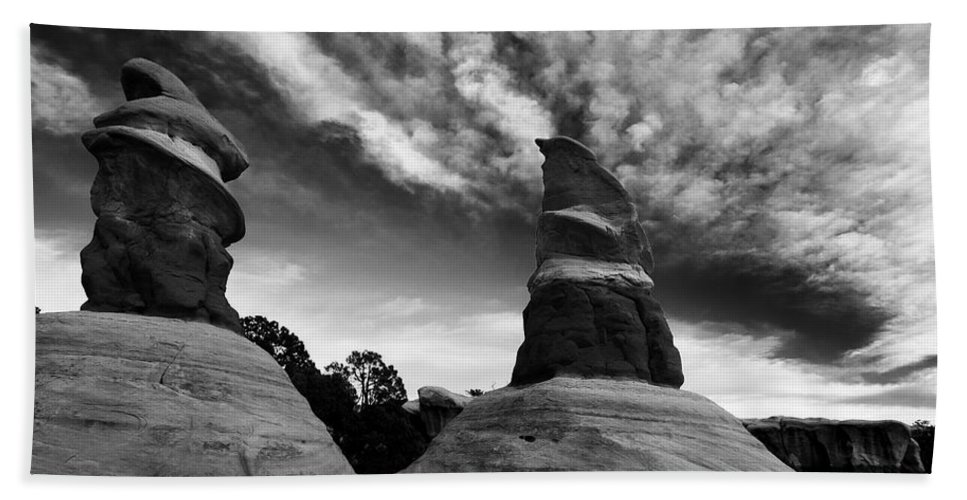 Devil's Garden Hand Towel featuring the photograph Reaching For The Clouds by Mike Dawson