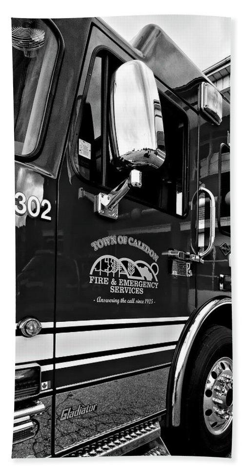 Fire Bath Sheet featuring the photograph Ready To Serve Bw by Steve Harrington