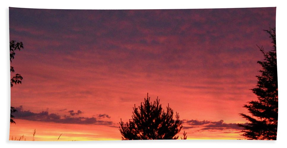 Clouds Bath Sheet featuring the photograph Red And Orange June Dawn Sky by Kent Lorentzen