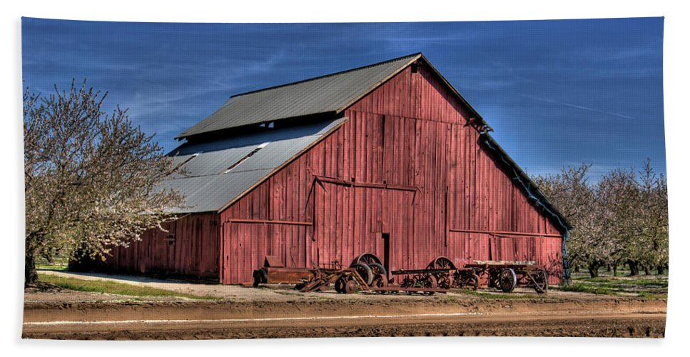 Barn Bath Sheet featuring the photograph Red Barn by Jim And Emily Bush