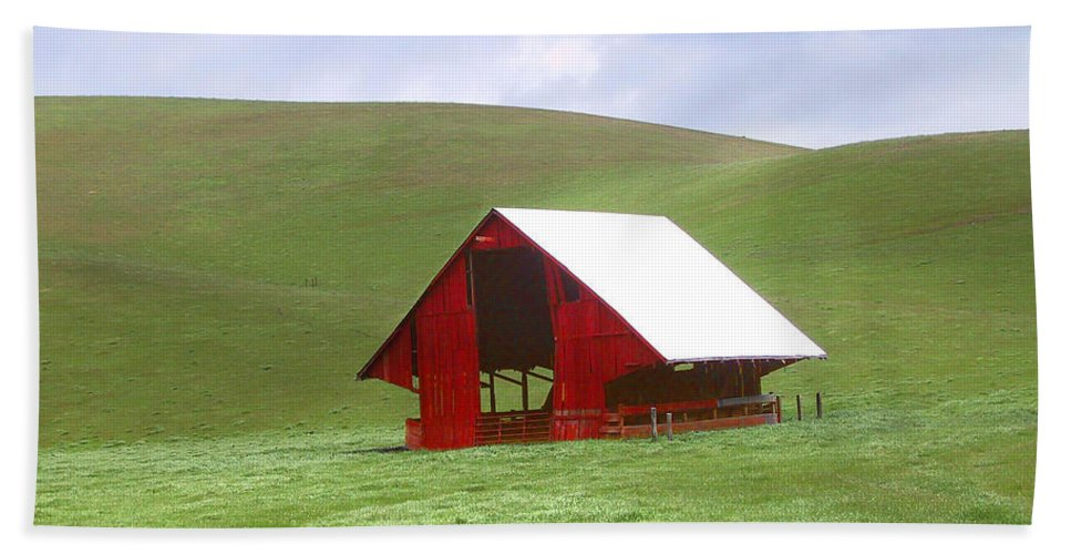 Landscape Bath Towel featuring the photograph Red Barn In Spring by Karen W Meyer