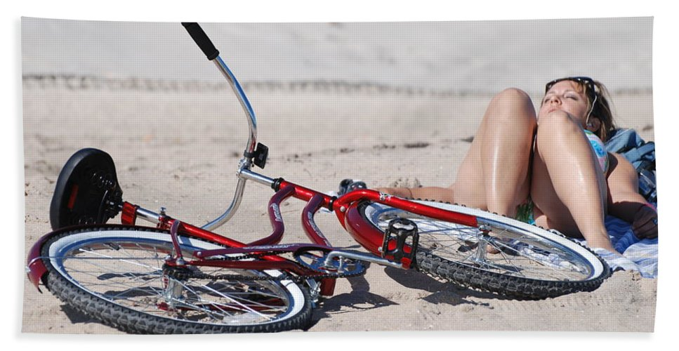 Red Hand Towel featuring the photograph Red Bike On The Beach by Rob Hans