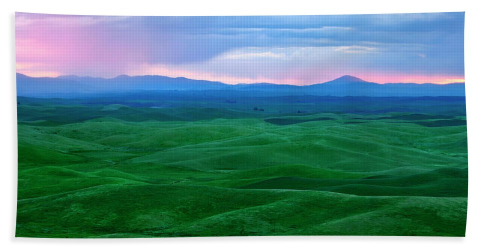 Palouse Bath Sheet featuring the photograph Red Dawn Over The Palouse by Mike Dawson