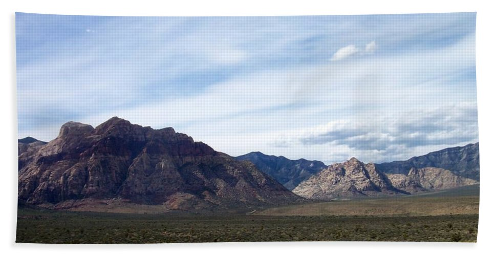 Red Rock Canyon Bath Towel featuring the photograph Red Rock Canyon 4 by Anita Burgermeister