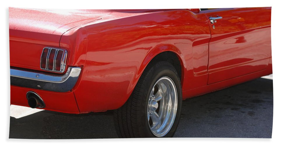 Ford Bath Towel featuring the photograph Red Stang by Rob Hans
