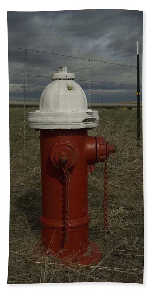 Fire Bath Sheet featuring the photograph Red White Hydrant by Sara Stevenson