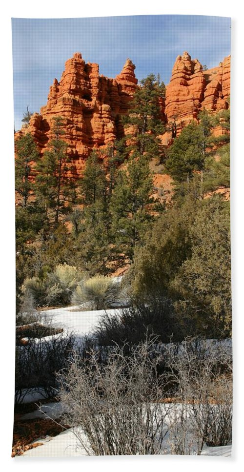 Red Rocks Hand Towel featuring the photograph Redrock Winter by Nelson Strong