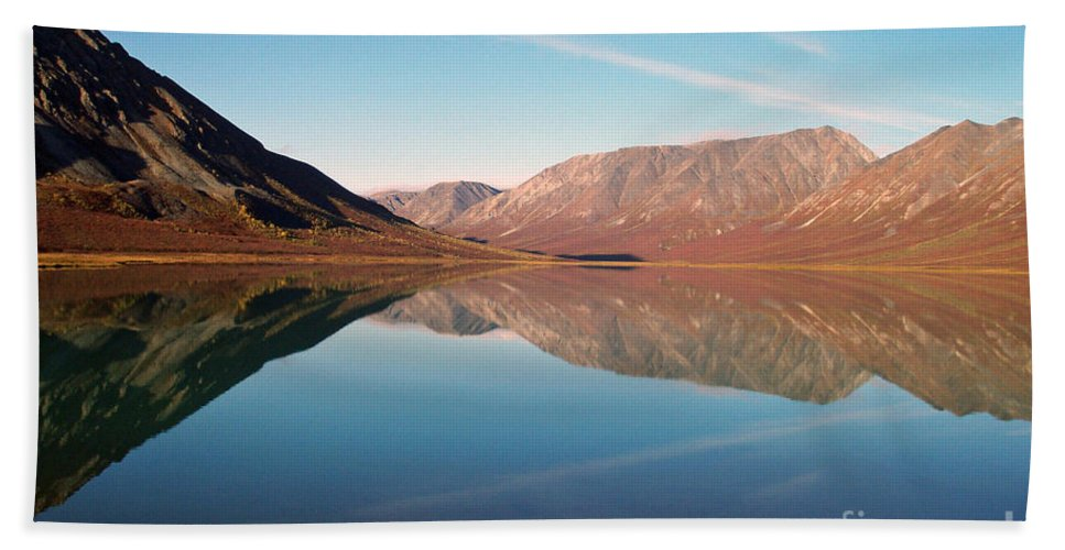 Lake Bath Towel featuring the photograph Mountains Reflected On A Beautiful Lake by Denise McAllister