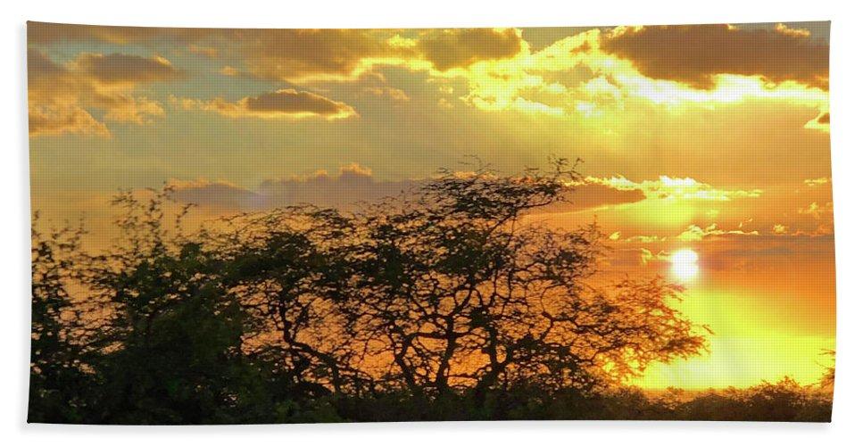 Hawaii Bath Towel featuring the photograph Reflections Sunset Hawaii by Heather Coen