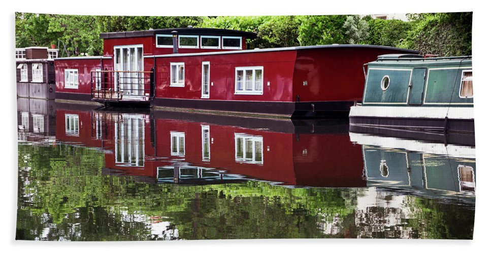 Canal Bath Sheet featuring the photograph Regent Houseboats by Keith Armstrong