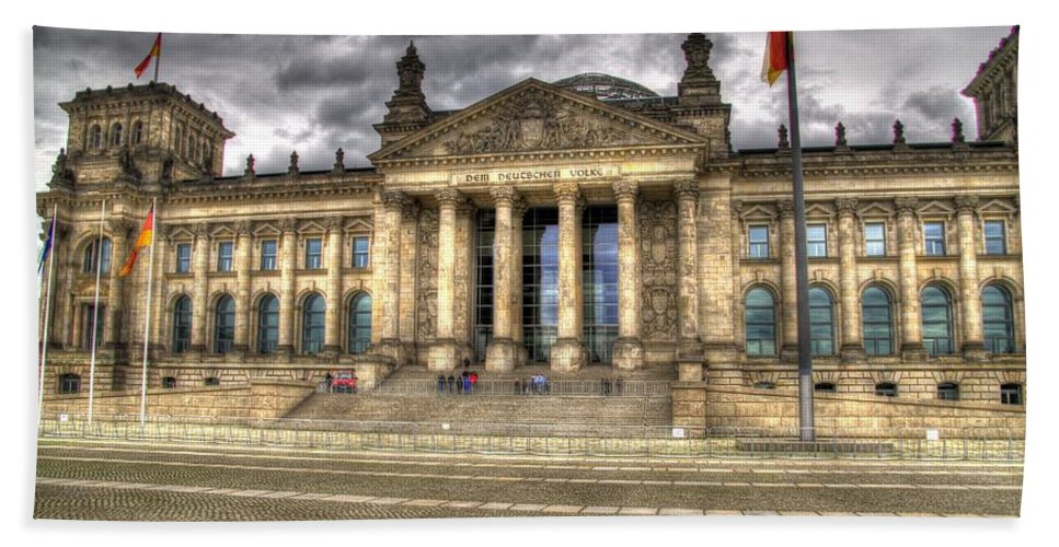 Berlin Hand Towel featuring the photograph Reichstag Building by Jon Berghoff