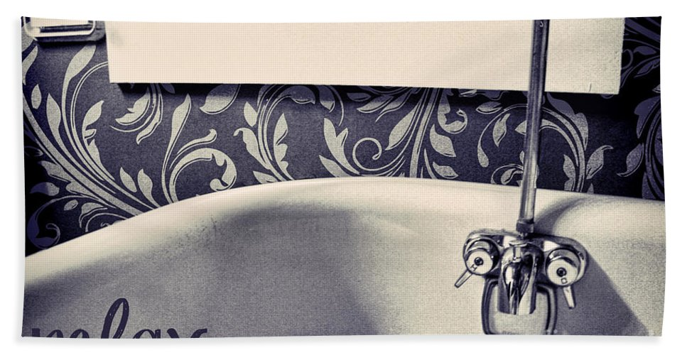 Bath Hand Towel featuring the photograph Relax In Blue by Mindy Sommers