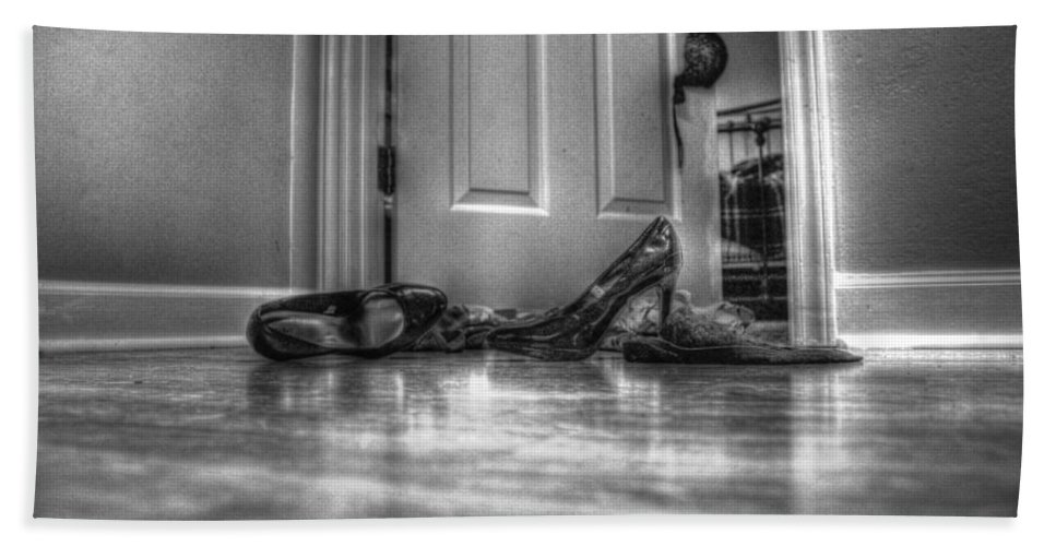 Rendezvous Hand Towel featuring the photograph Rendezvous Do Not Disturb 05 Bw by Andy Lawless