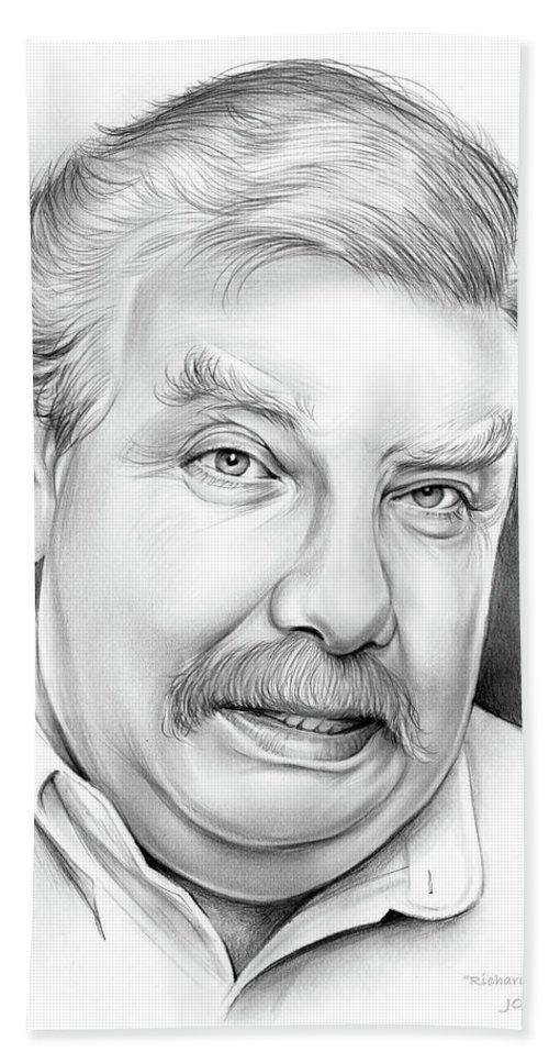 Richard Griffiths Bath Towel featuring the drawing Richard Griffiths by Greg Joens