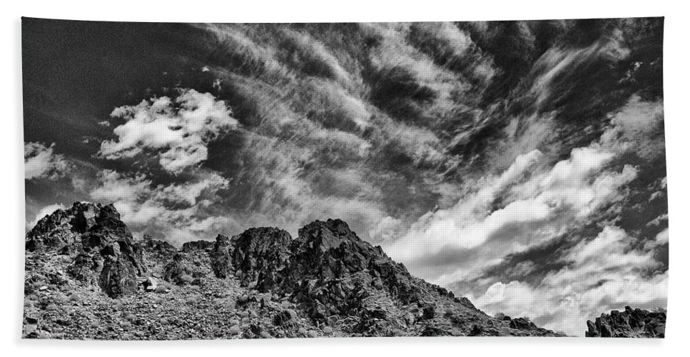 Ridge Route Hand Towel featuring the photograph Ridge Route by Dominic Piperata