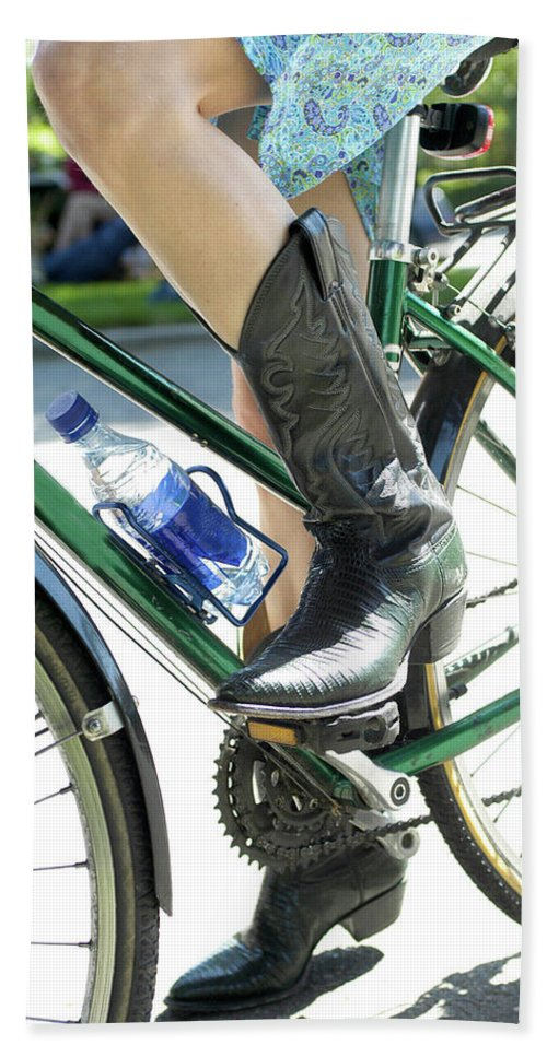 Bicycles Hand Towel featuring the photograph Riding In Style by Frank DiMarco