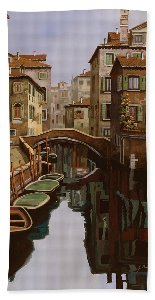 Venice Bath Towel featuring the painting Riflesso Scuro by Guido Borelli