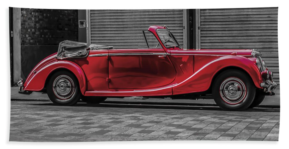 Riley Rmd Drophead Coupe Hand Towel featuring the photograph Riley Rmd 1950 Drophead Coupe by Claire Doherty