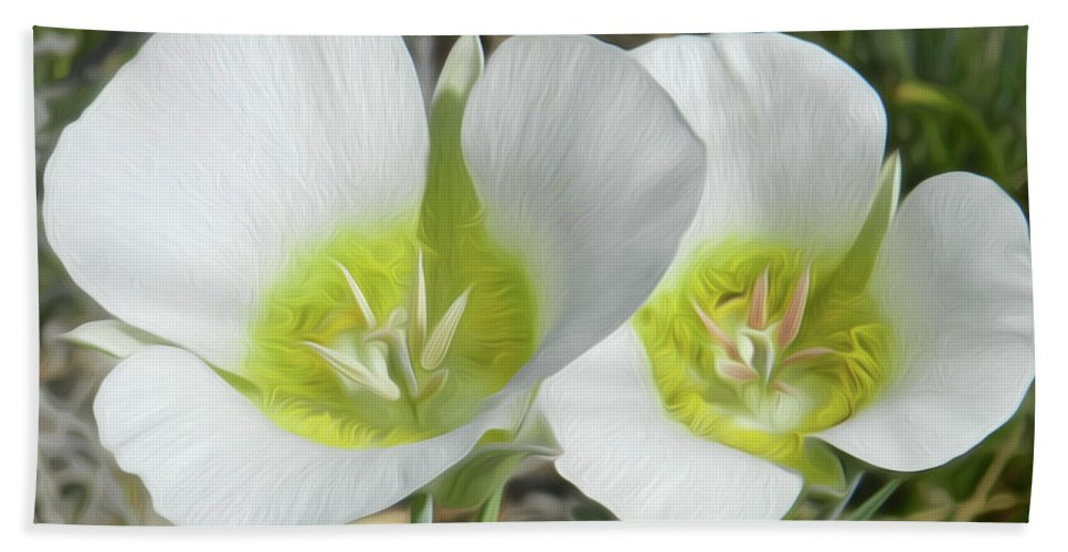 Floral Hand Towel featuring the photograph Rise To The Occasion by Tracie Fernandez