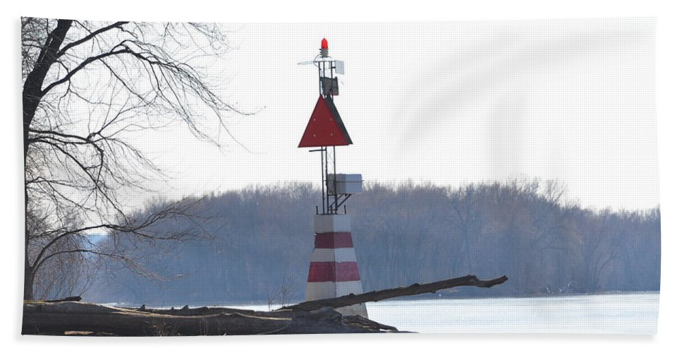 Mississippi River Hand Towel featuring the photograph River Marker by Tammy Mutka